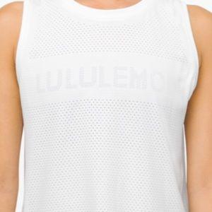 Lululemon Breeze by Muscle Crop Tank